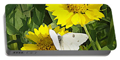 Yellow Cow Pen Daisies Portable Battery Charger