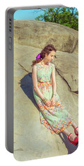 Young American Woman Summer Fashion In New York Portable Battery Charger