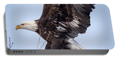 Eagle Coming In For A Landing Portable Battery Charger