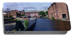 13/09/18  Manchester. Castlefields. The Bridgewater Canal. Portable Battery Charger