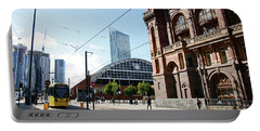13/09/18  Manchester.  Lower Mosley Street. Portable Battery Charger