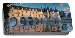 Chenonceau Dawn Portable Battery Charger