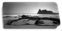 St Cyrus Beach - Scotland - Black And White Portable Battery Charger