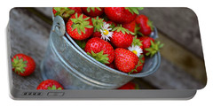 Strawberries And Daisies Portable Battery Charger