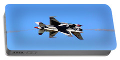 Thunderbirds Opposing Pass - Air Force - Air Show Portable Battery Charger
