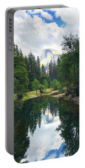 Yosemite Classical View Portable Battery Charger