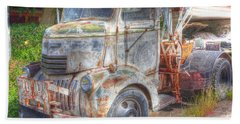 0281 Old Tow Truck Beach Towel