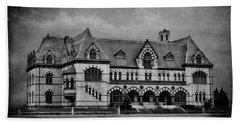Old Post Office - Customs House B W Beach Sheet