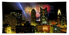 21l334 Red White And Boom Fireworks Display Photo Beach Towel