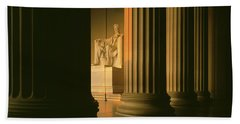 The Lincoln Memorial In The Morning Beach Towel