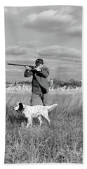 1930s 1940s Man Bird Hunting In Field Beach Towel