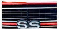 1970 Chevrolet Chevelle Ss 454 Grille Emblem Beach Towel
