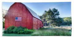 Beach Towel featuring the photograph American Barn by Sebastian Musial