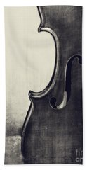 An Old Violin In Black And White Beach Towel by Emily Kay