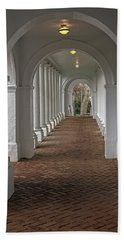 Arches At The Rotunda At University Of Va Beach Towel