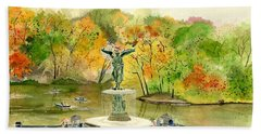 Autumn At Central Park Ny Beach Sheet by Melly Terpening