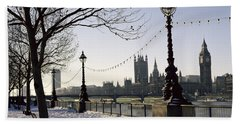 Big Ben Westminster Abbey And Houses Of Parliament In The Snow Beach Towel