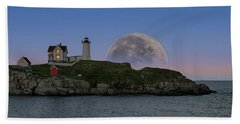 Big Moon Over Nubble Lighthouse Beach Sheet by Jeff Folger