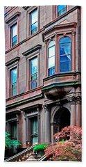 Brooklyn Heights - Nyc - Classic Building And Bike Beach Sheet