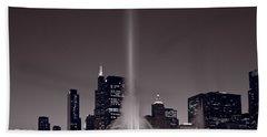 Buckingham Fountain Nightlight Chicago Bw Beach Towel