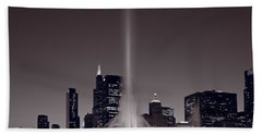 Buckingham Fountain Nightlight Chicago Bw Beach Sheet by Steve Gadomski