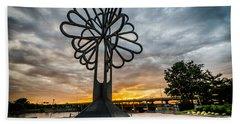 Cedar Rapids Five Seasons Tree At Sunset Beach Sheet
