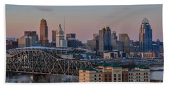 D9u-876 Cincinnati Ohio Skyline Photo Beach Towel