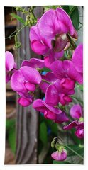 Beach Towel featuring the photograph Climbing Sweet Peas by Bruce Bley