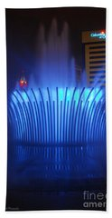 D101l-122 Scioto Mile Fountain Photo Beach Sheet