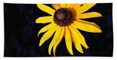 Daisy On Dark Blue Beach Towel