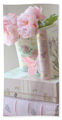 Dreamy Shabby Chic Pink Peonies And Books - Romantic Cottage Peonies Floral Art With Pink Books Beach Sheet