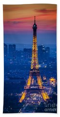 Beach Towel featuring the photograph Eiffel Tower At Twilight by Brian Jannsen