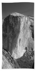 106663-el Capitan From Higher Cathedral Spire, Bw Beach Towel