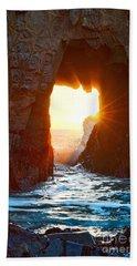Fireburst - Arch Rock In Pfeiffer Beach In Big Sur. Beach Towel