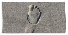 Footprint In The Sand Beach Towel