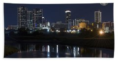 Fort Worth Skyline Super Moon Beach Towel