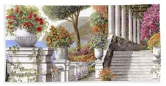 four seasons-summer on lake Como Beach Towel