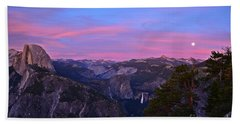 Glacier Point With Sunset And Moonrise Beach Towel
