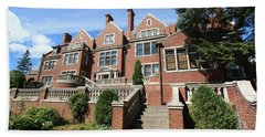 Glensheen Mansion Exterior Beach Sheet by Amanda Stadther
