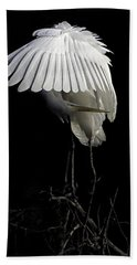 Great Egret Bowing Beach Towel