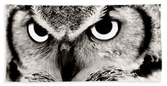 Great Horned Owl In Black And White Beach Towel