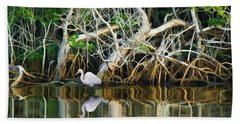 Great White Egret And Reflection In Swamp Mangroves Beach Towel