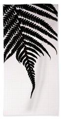 Hapu'u Frond Leaf Silhouette Beach Towel