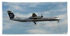 Horizon Airlines Q-400 Approach Beach Towel