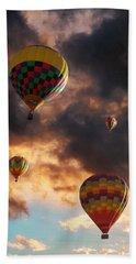 Hot Air Balloons - Chasing The Horizon Beach Sheet by Glenn McCarthy