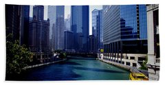 Kayaks On The Chicago River Beach Towel