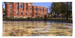 Kiowa County Courthouse With Mural - Hobart - Oklahoma Beach Towel