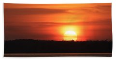 Beach Towel featuring the photograph Lake Conroe Sunset by Ellen Barron O'Reilly