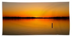 Lake Independence Sunset Beach Towel