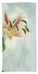 Lilium Beach Towel